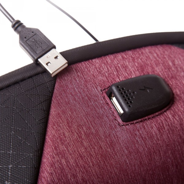 Rucsac laptop Trust USB 33x21.5x9 cm, 600 gr, roșu